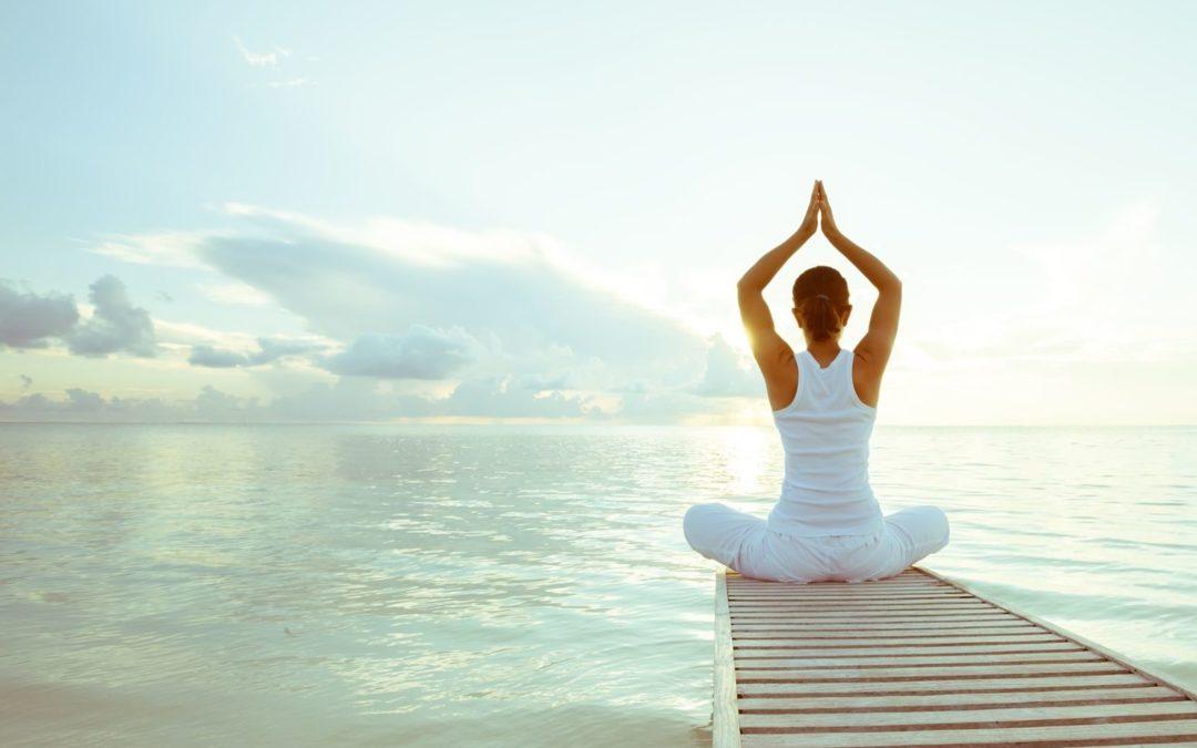 Padmasana sur le lac de Neuchâtel. Cours de Yoga à Neuchâtel